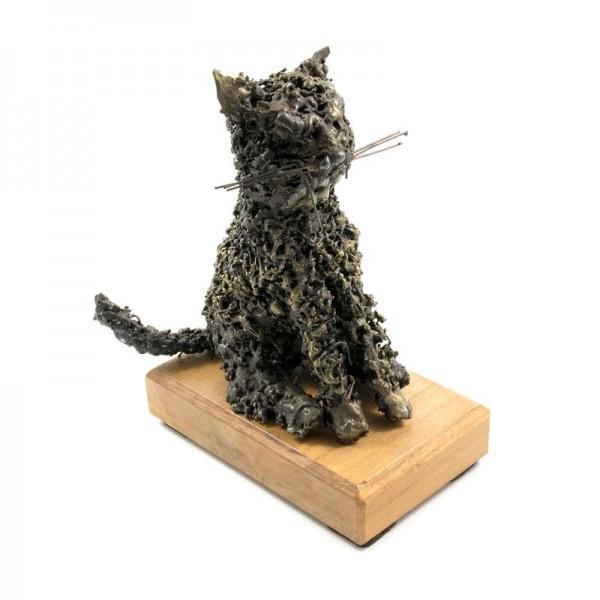 Maček, ročno izdelana kovinska skulptura