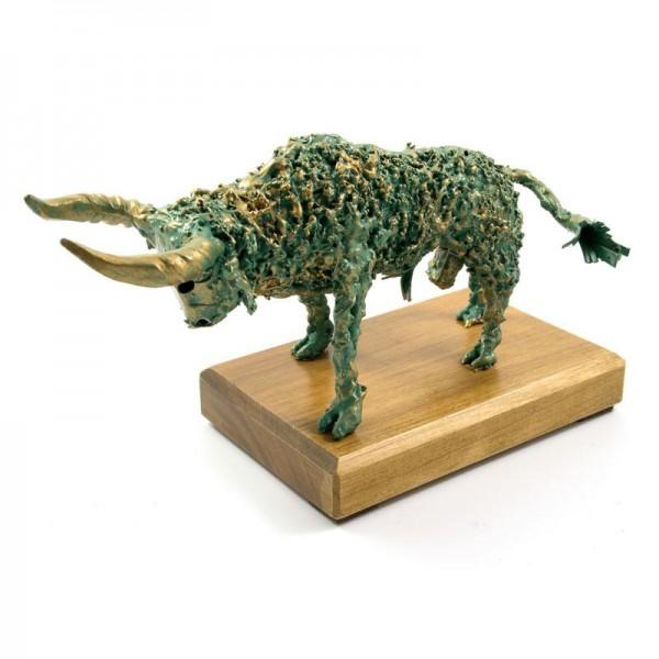 Zeleni bik, ročno izdelana kovinska skulptura