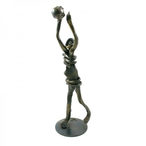 Košarkaš, ročno izdelana kovinska skulptura