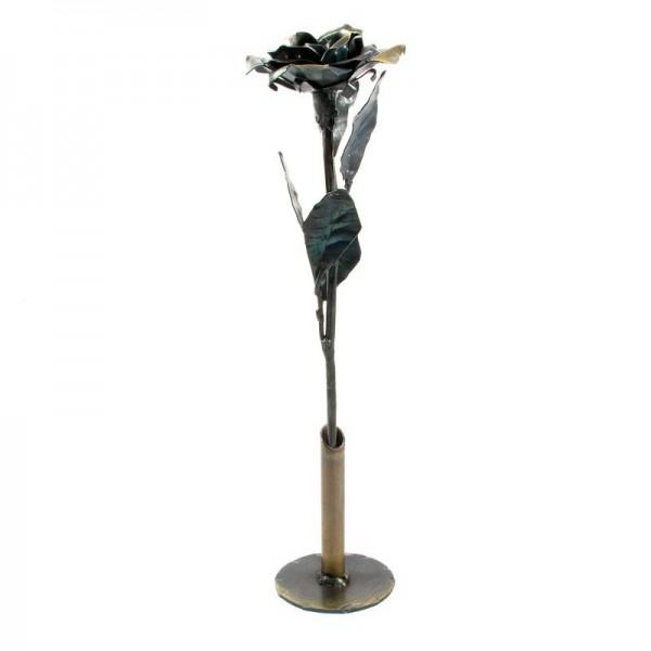 Vrtnica v vazi, ročno izdelana kovinska skulptura