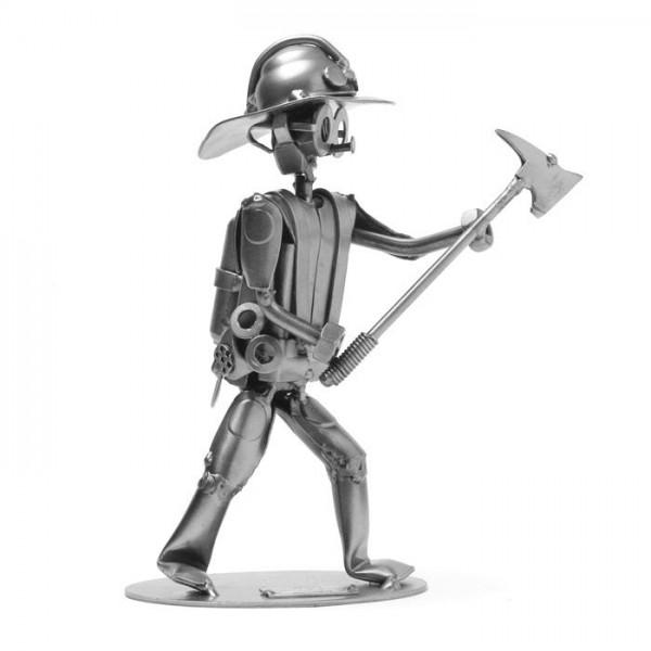 Gasilec, kovinska skulptura