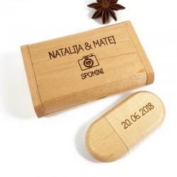 Leseni USB ključ z gravuro v škatlici U02