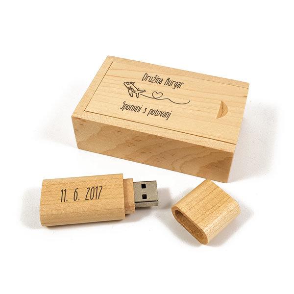 Leseni USB ključ z gravuro v škatlici U03