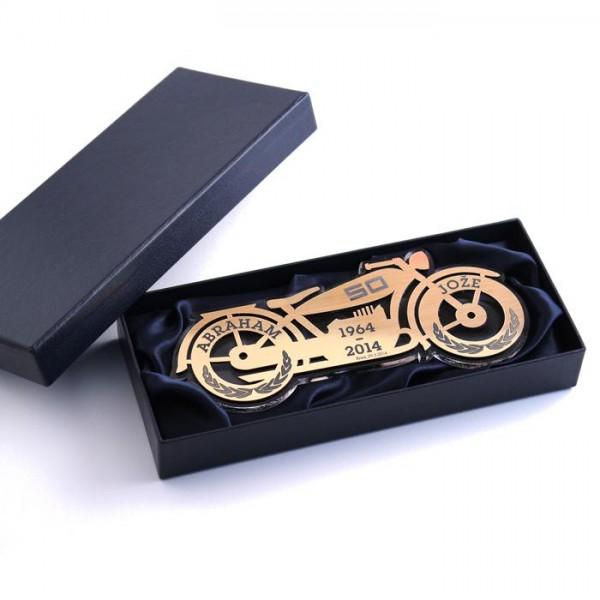 Plaketa Motor za Abrahama v darilni škatli + GRAVIRANJE