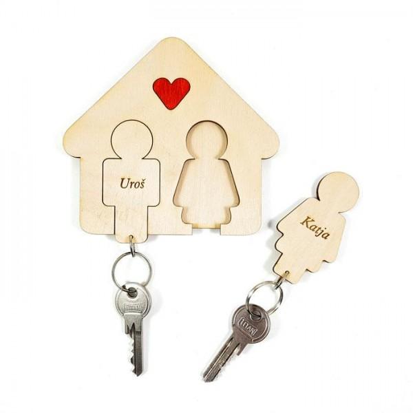 Držalo in obeska za ključe z rdečim srčkom